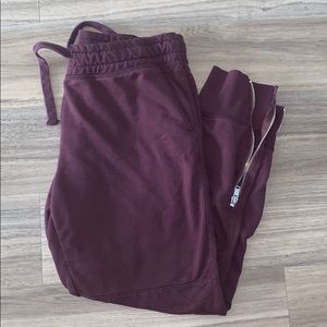 GAP — burgundy sweatpants